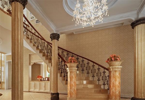 欧式古典别墅楼梯水晶吊灯装饰效果图